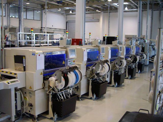 Linea automatizada JUKI fabricacion modulos led
